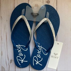 NWT ROXY flip flops